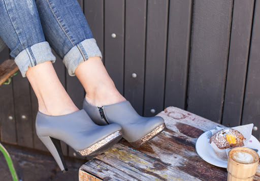 Grey soft leather boots with glitter platform