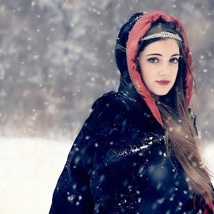 _DSC0109_Portrait+Snow-Winter.jpg