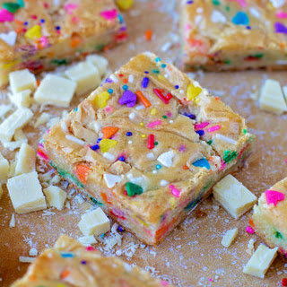 Funfetti Birthday Cake Blondies (no cake mix).