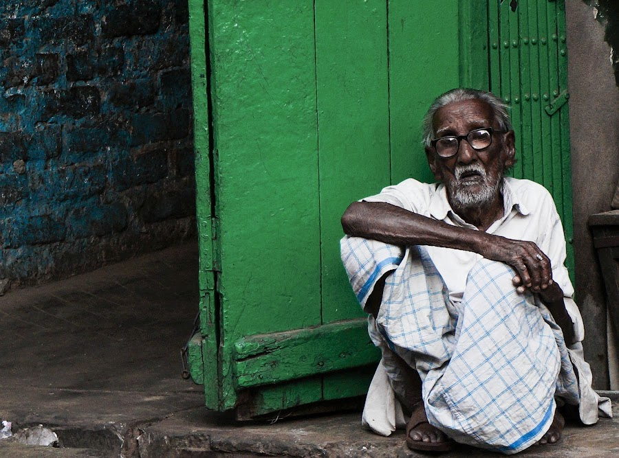 Counting days by Caesar Jees - People Street & Candids ( old, kolkata, street, oldman, india, people, portrait, city )