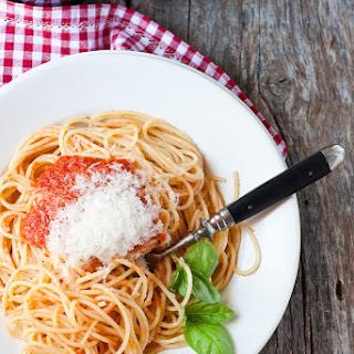 Pomarola, the Italian tomato sauce.