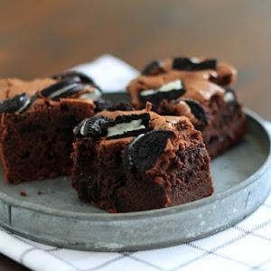 Oreo Brownies, a Variation of Irresistible Brownies