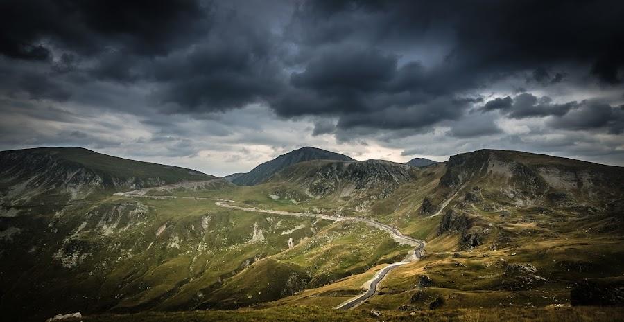 Transalpina clouds by Lupu Radu - Landscapes Mountains & Hills ( clouds, romania, transalpina,  )