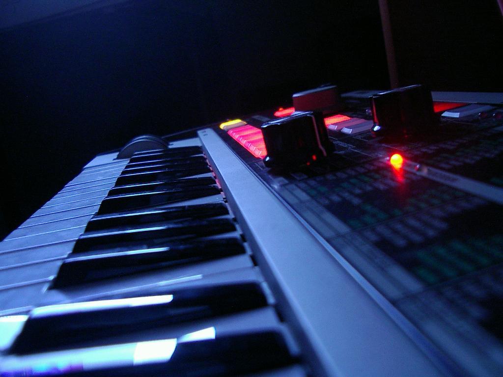 instruments keyboard wallpaper - photo #49