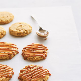 Cashew-Caramel Cookies
