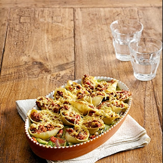 Pastaschelpen Bolognese met gehakt, tomatensaus en besciamella
