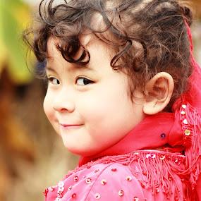 Areta salsa rashida by Alnia Furwani Maulina - Babies & Children Children Candids ( , best female portraiture )