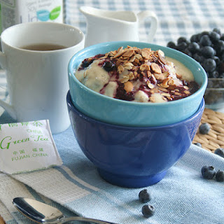 Blueberry Cobbler Oatmeal (and other oatmeal ideas).