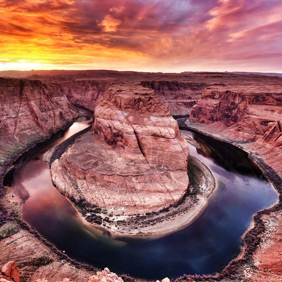Horseshoe Bend by Jeffrey Genova - Landscapes Sunsets & Sunrises ( water, sky, sunset, arizona, canyon, horseshoe bend, rocks, river, Earth, Light, Landscapes, Views,  )