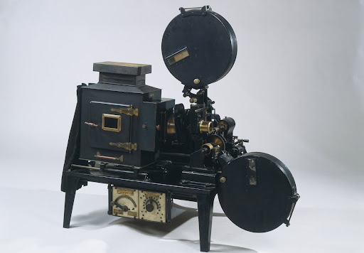 Chronophone' cinematographic projection device