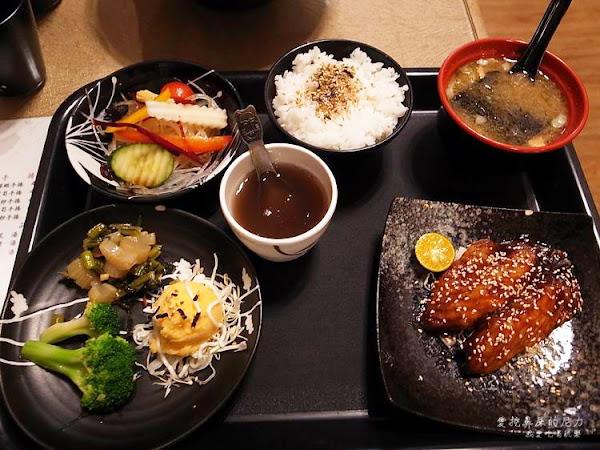 高雄左營。舞鶴壽司、定食、商業午餐,平價美食必吃