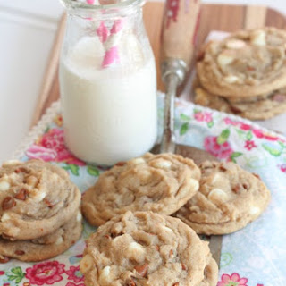 Snickerdoodle-like Cinnamon and White Chip Cookies