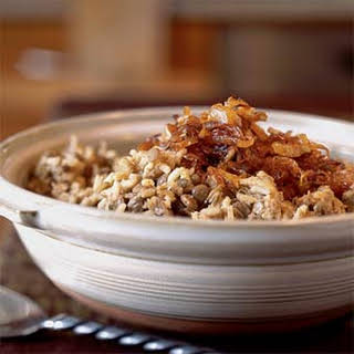 Megadarra (Brown Lentils and Rice with Caramelized Onions).
