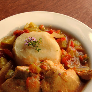Slow Cooker Sunday! Curried Poulet Basquaise! (Chicken, Pepper & Tomato Stew)