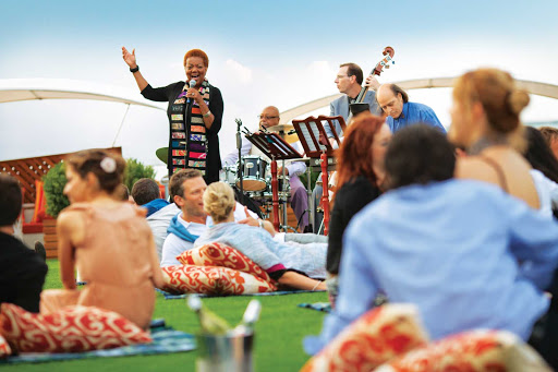 Celebrity_Silhouette_Lawn_Bowls_green - Lay down a blanket, relax with a glass of wine and listen to live music at Celebrity Silhouette's Lawn Bowls green.