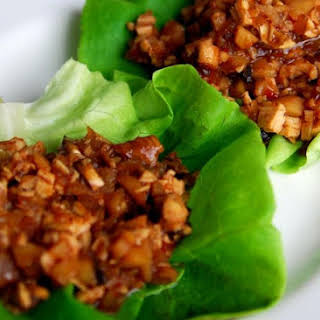 Easy Chicken Lettuce Wraps.