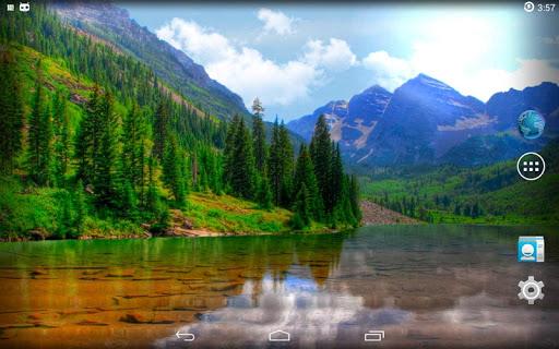山の中の湖は