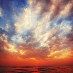 sea view by Uzair RIaz - Landscapes Cloud Formations ( , #GARYFONGDRAMATICLIGHT, #WTFBOBDAVIS )