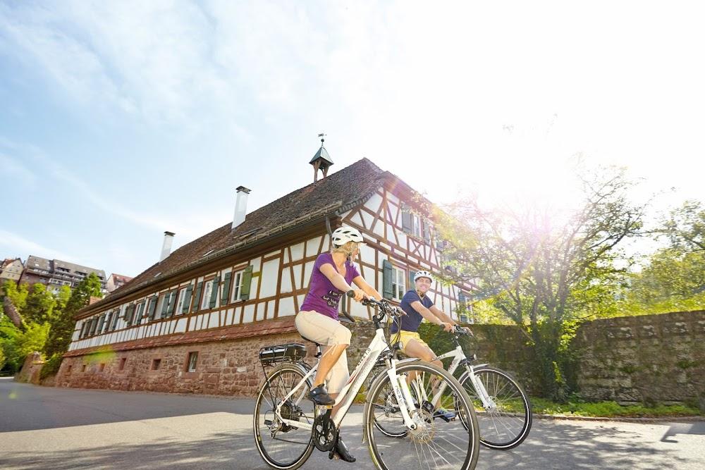 Ob Du dein E-Bike oder dein Tourenrad mit auf den Weg nimmst, macht auf dem Nagoldtalradweg keinen Unterschied