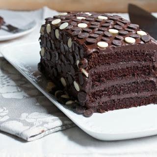 Polka Dot Holiday Chocolate Log Cake.