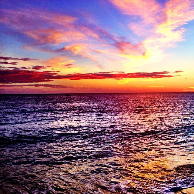 🌅 by Harrison Sturner - Uncategorized All Uncategorized ( sunset, beach, ocean, colorful, clouds, st, maarten, dinner, followme, family, fun, boatday, sail, boat, likeforlike, pasaat, sturner, vacation )