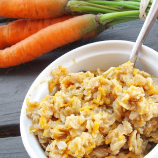 Carrot Cake Oatmeal (adapted from Oh She Glows)