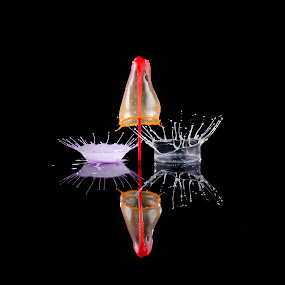 Double crown and drop plash by Duy Tang - Abstract Water Drops & Splashes ( liquid sculpture, liquid drop, liquid, droplet, liquid art, paintdrop, paint, drop splash )