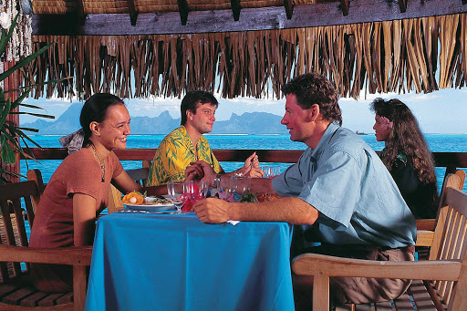 Dining-InterContinental-Tahiti - You'll find romance in the air while dining at the InterContinental Resort on Tahiti.