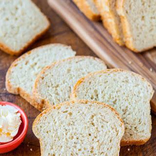 Soft and Fluffy Sandwich Bread (vegan)