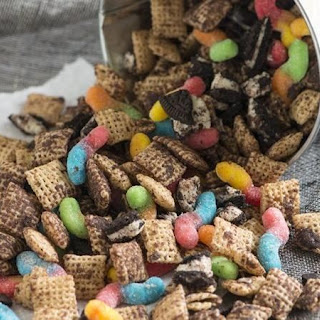 Dirt and Worms Chex Mix.