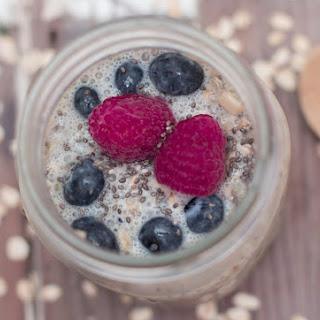 Overnight Quinoa & Blueberry Oatmeal