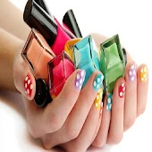 Modelo de uñas pintadas