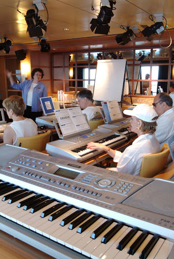 Enrichment-Entertainment-Yamaha-Keyboard-Class-in-The-Studio - Take a Yamaha keyboard class in the Studio on board the Crystal Serenity.