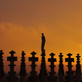 Meeting the Sunset (Milano, Italy) by Pipia Kanjeva - Buildings & Architecture Statues & Monuments ( #sunset #milano #statue #duomo #italy, , silhouette, golden hour, sunset, sunrise )