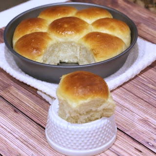 Honey Butter Dinner Rolls