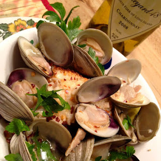 Zuppa di Clams With Savory Crouton.