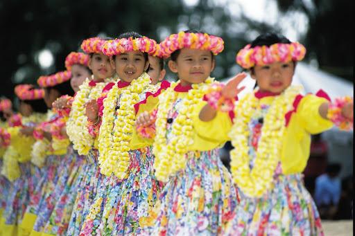 Keiki-girls-hula - Keiki girls dancing hula in Hawaii.