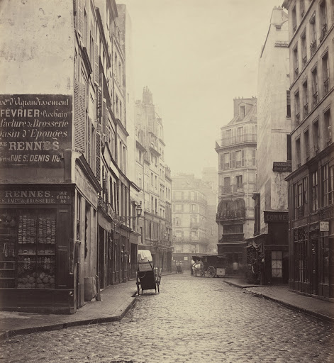 Rue des Lombards, from the rue des Lavandières Sainte-Opportune