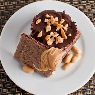 Mini Chocolate & Peanut Butter Tarts.