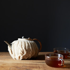 Cream Wool Cable Knit Tea Cosy