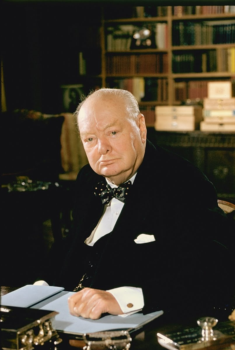 a biography of winston churchill a british politican