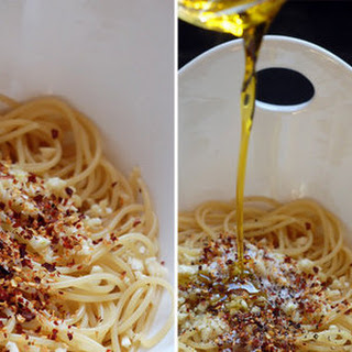Easy Garlic Pepper Spaghetti