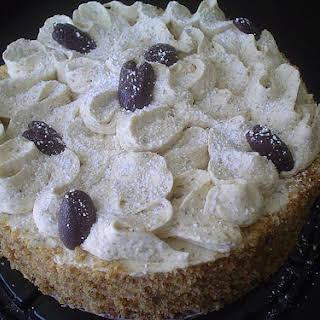 Diotorta: Hungarian Walnut Cake.