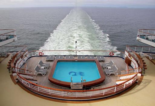 aft-pool-Golden-Princess - The aft pool aboard Golden Princess.