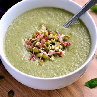Green Power Soup (Broccoli, Basil & Pumpkin Seed)