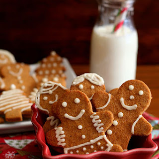 Classic Gingerbread Men – Low Carb and Gluten-Free.