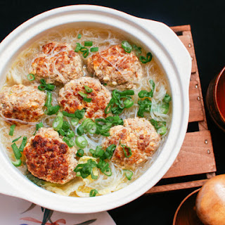 Chinese Lion's Head Pork Meatballs With Vermicelli and Cabbage.