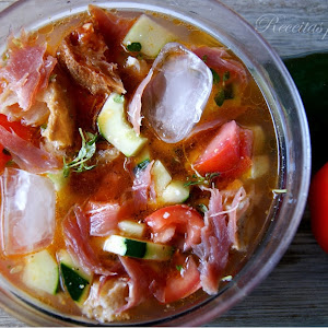 NOTE TO EDITOR: Title is not clear Mama-Style Gazpacho