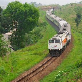 Argo Parahyangan by Husni Mubarok - Transportation Trains