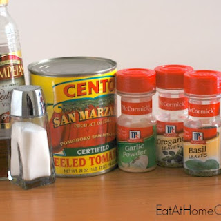 The Best Homemade Pizza Sauce - and it's really easy too!